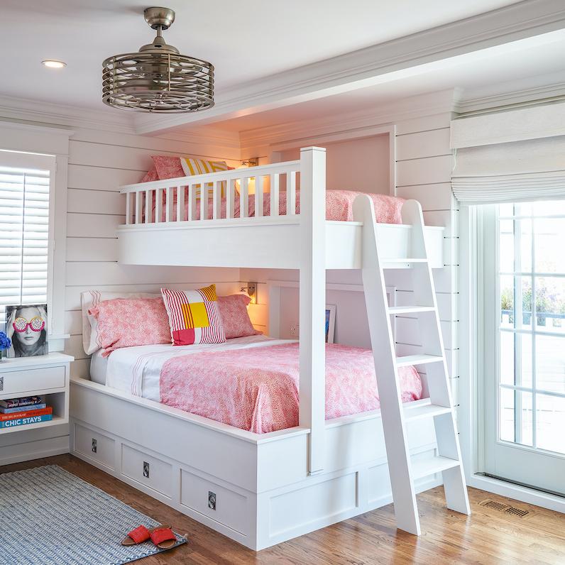 childrens-bedroom-bunkbeds-white-wood-ladder-2