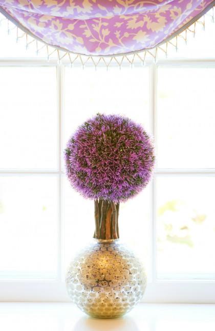 girls-bedroom-decor-vase-purple-flowers-fuller-interiors