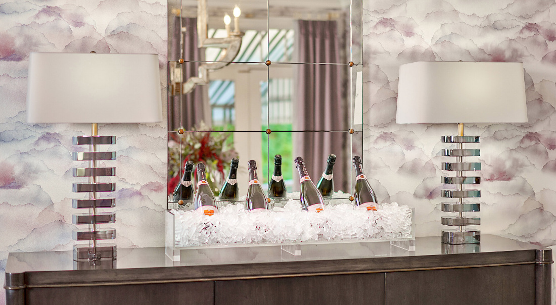 dining-room-champagne-on-ice-villanova-pa