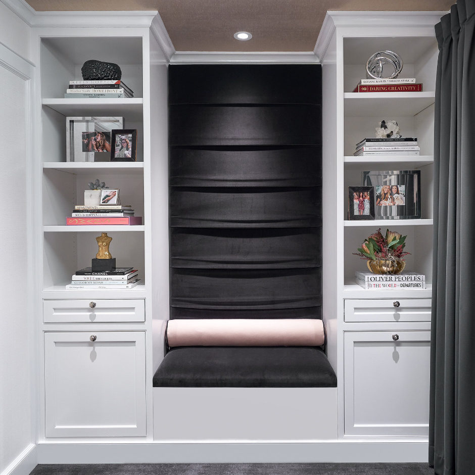 dressing-room-sitting-area-walk-in-closet-interior-design