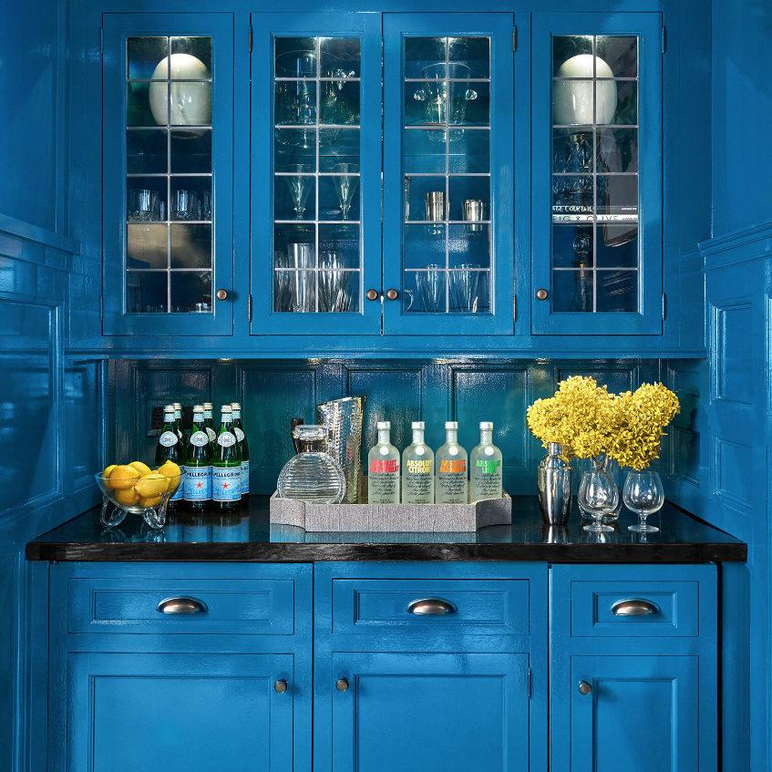 family-room-bar-blue-wayne-pa