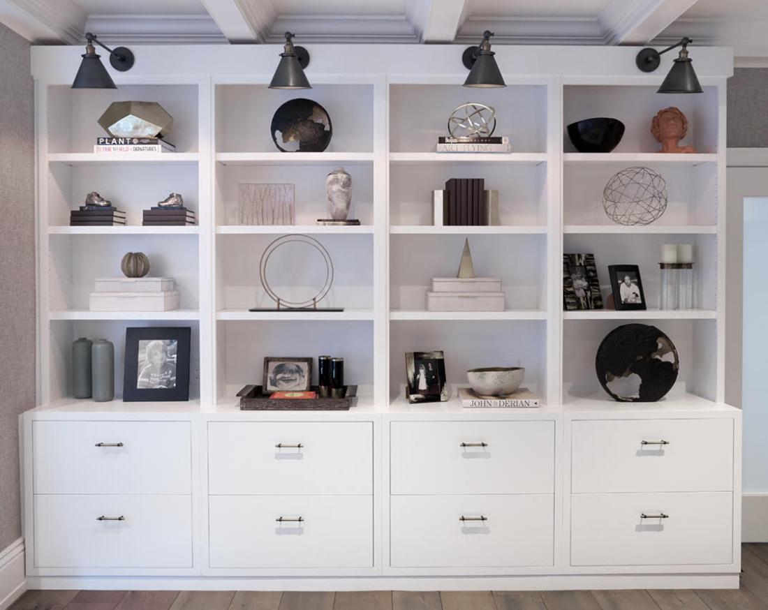 office-built-ins-shelves-white-art-decor-gladwyne-pa
