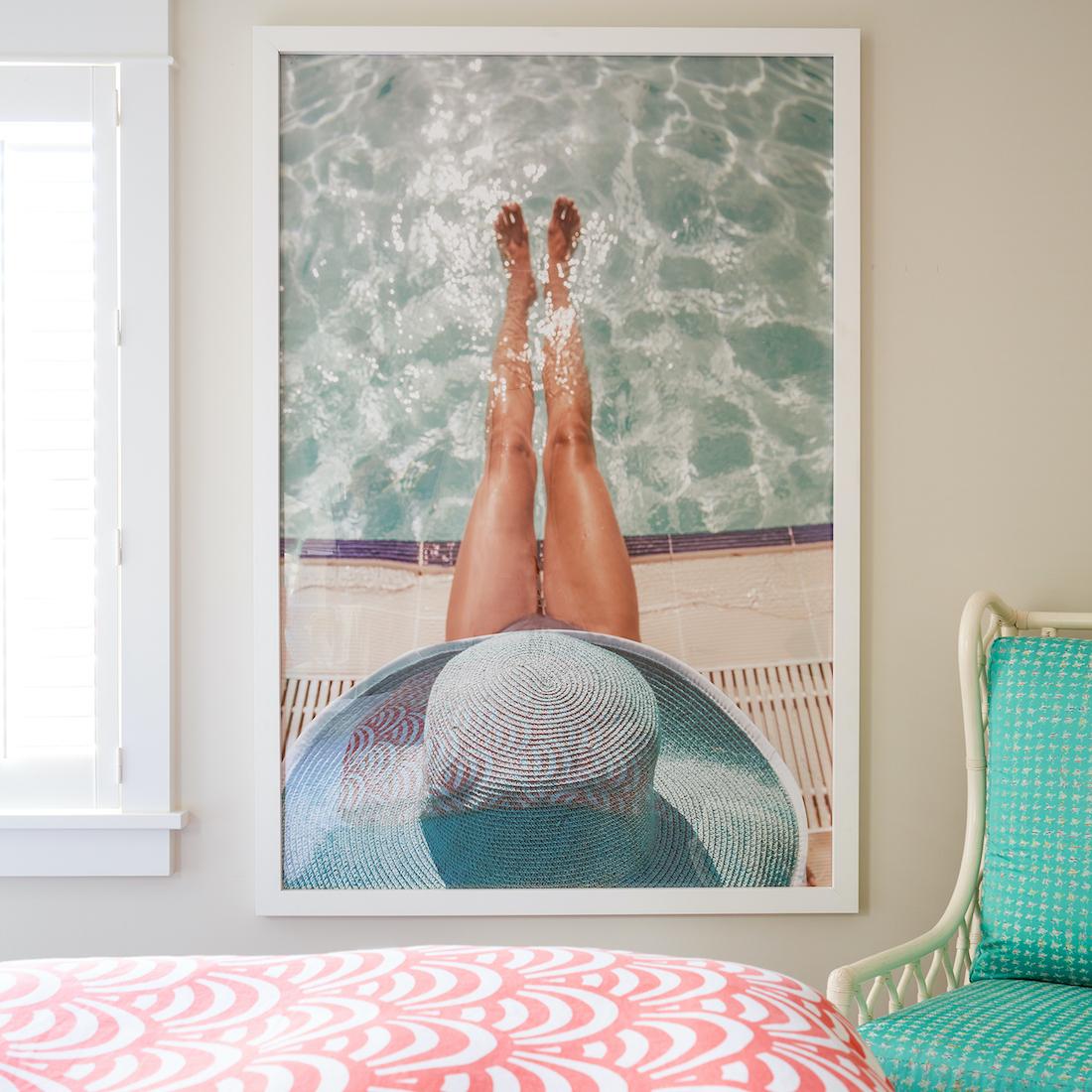 bedroom-artwork-details-pool-photograph