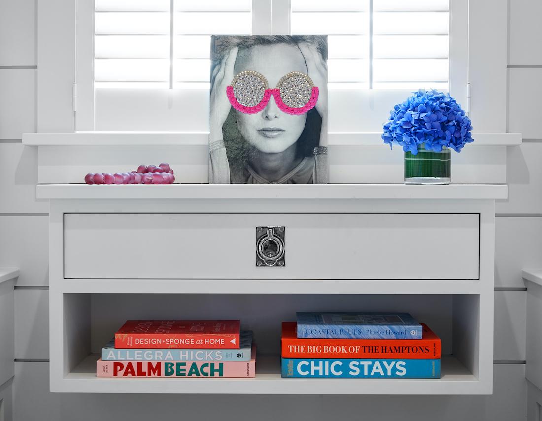 bedroom-sidetable-details-decor-books