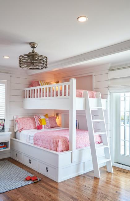 childrens-bedroom-bunkbeds-white-wood-ladder