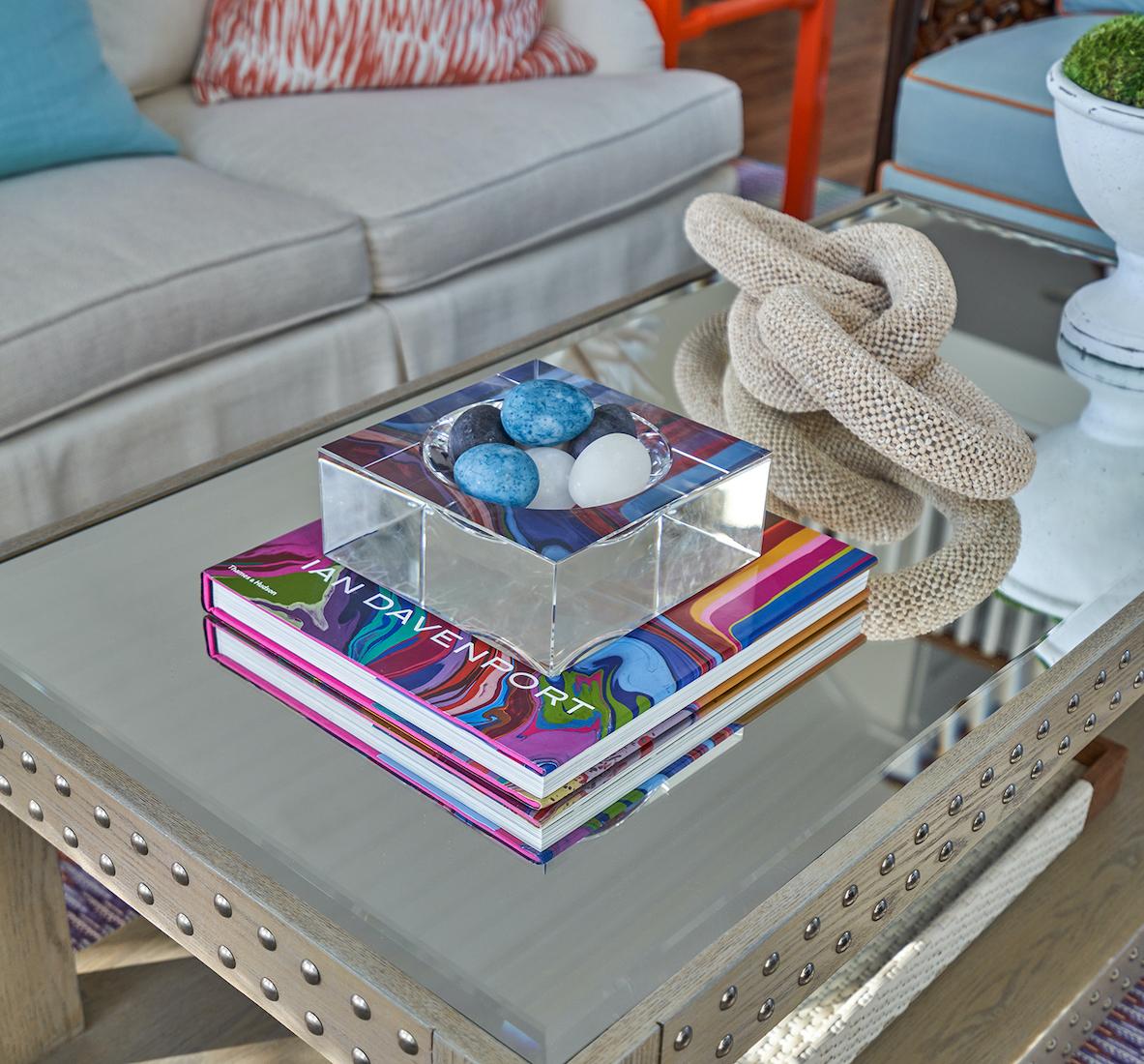 ourdoor-patio-table-accessories-interior-design