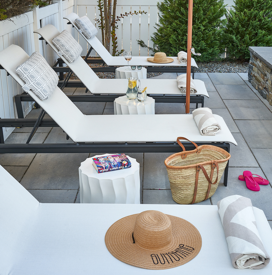 outdoor-poolside-recliner-chairs-avalon-nj-shore-house